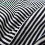 Jersey Ringelstreifen schwarz weiß nahaufnahme