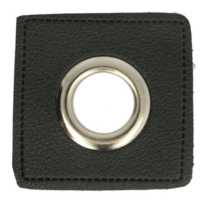 Ösen auf schwarzem Kunstleder | Quadrat Silber 8mm